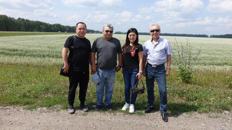 Компания Китая на полях Алтайского края